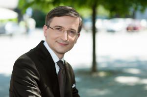 wizerunek profesjonalisty, portret biznesowy Warszawa, zdjęcie do CV, zdjęcie na Linkedin, fotograf biznesowy Warszawa, zdjęcie biznesowe studyjne, zdjęcie biznesowe w plenerze, zdjęcie biznesowe w biurze
